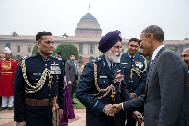 President Obama greets Arjan Singh